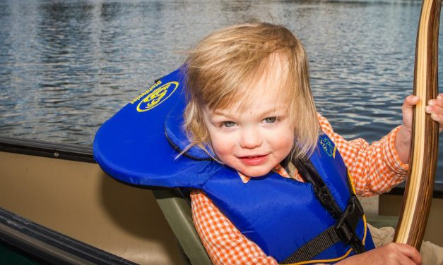 How to Choose Kids Life Jackets for Toddlers
