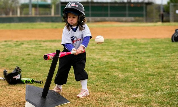 10 Things You Didn't Know: Tee Ball vs. Baseball